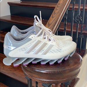 NWOT! Adidas springblade sneakers 👟